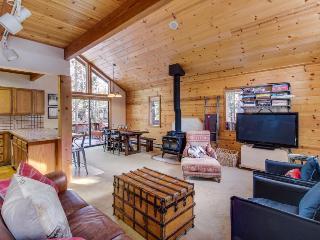 Tahoe cabin w/resort amenities, golf on-site, dog-friendly! - Truckee vacation rentals