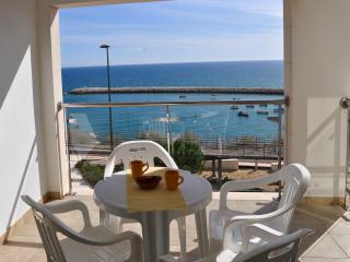 Baleeira Sol apartamento desfruta duma espantosa vista mar - Albufeira vacation rentals