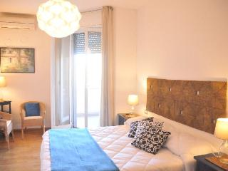 Isola 5 Apartment - Milan vacation rentals