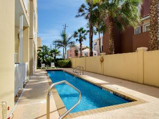 Shared pool & free WiFi right across from the beach! - South Padre Island vacation rentals