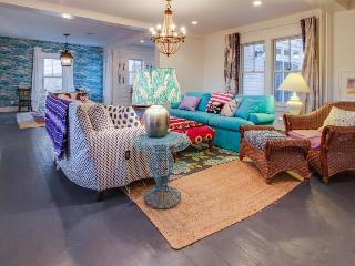 Bright, colorful house - walk to the beach, restaurants, galleries, and more! - Wellfleet vacation rentals