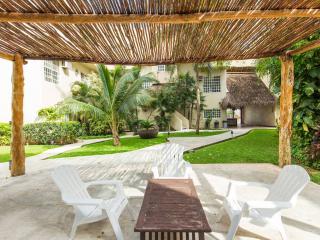 1 Bedroom Condo Villas Amanecer Mamitas - Playa del Carmen vacation rentals