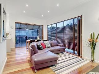 Three Bedroom Home with Free Wifi - Brisbane vacation rentals