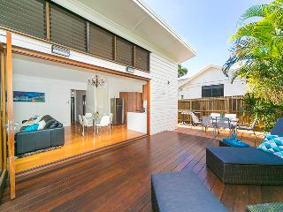 Homely Renovated Three Bedroom House - Wifi - Brisbane vacation rentals