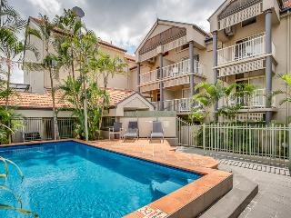 One Bedroom Unit with Pool & Parking Ferry to City - Brisbane vacation rentals