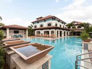 Miramar Apartment: Pool, Hot Tub, Gym - Ground Floor - Miramar vacation rentals