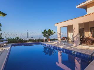 4 Bedroom Villa Katerina in Drousha Village - Polis vacation rentals