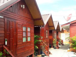 CV25 Guesthouse - Breakfast included - Udon Thani vacation rentals