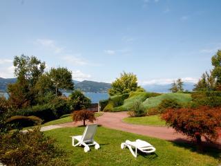Villa con giardino fronte lago - Ispra vacation rentals