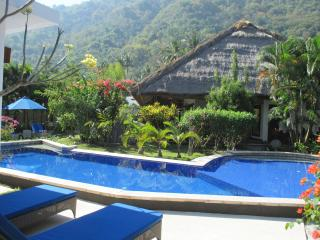 Villa Senang Senggigi/4-bedroom - Mangsit vacation rentals