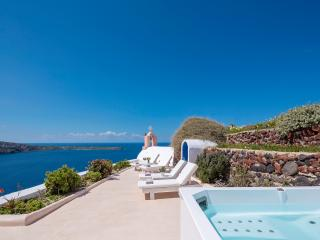 Sunset Chaser Villa, Jacuzzi, Sea & Sunset Views - Oia vacation rentals
