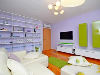 Marcoolka - Split vacation rentals