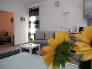 Romantic 1 bedroom Bochum Apartment with Internet Access - Bochum vacation rentals
