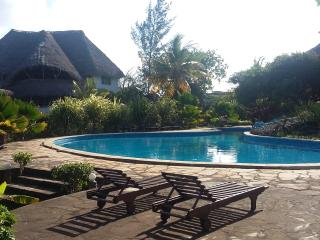 Comfortable Malindi vacation Bed and Breakfast with Shared Outdoor Pool - Malindi vacation rentals