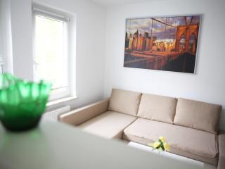 Cozy 2 bedroom Condo in Bochum with Internet Access - Bochum vacation rentals