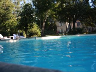 Nice Gite with Internet Access and Outdoor Dining Area - Cambounet-Sur-le-Sor vacation rentals