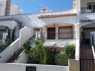 3 minute walk to Villamartin Plaza - Villamartin vacation rentals