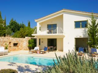 Ideales Resort villa Porfira - Trapezaki vacation rentals