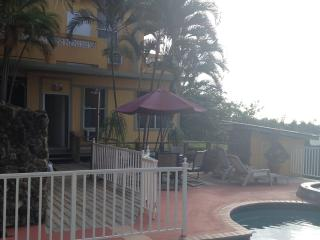 2 bedroom Condo with Deck in Rincon - Rincon vacation rentals