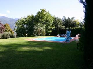 Villa Steffy - Large garden with private pool - Ponte a Moriano vacation rentals