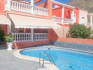 3 bedroom Villa in Los Cristianos Tenerife - Los Cristianos vacation rentals