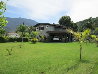 Sunny House - Massaguaçu Beach - Caraguatatuba vacation rentals
