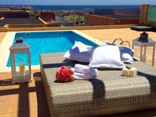 Villa Mamma Mia, overlooking to the Sea, Heated private Pool, WIFI. - Caleta de Fuste vacation rentals