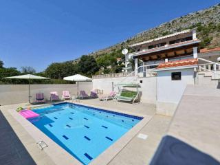 Nice Villa with Internet Access and Dishwasher - Krilo vacation rentals