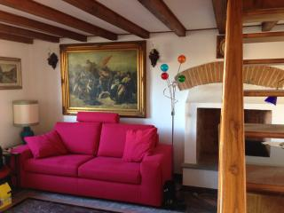 2 Bedroom Vacation House in the Center of Florence - Florence vacation rentals