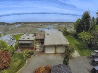 Mitlenatch Beach Private Cottage - Campbell River vacation rentals