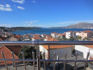 TH01808 Apartments Villa Dolac / Two bedrooms A1 - Okrug Gornji vacation rentals