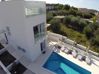 TH01811 Villa Leona - Okrug Gornji vacation rentals
