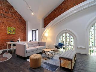 Perfect Condo with Internet Access and A/C - Toronto vacation rentals