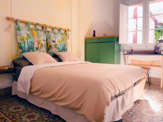 """Room """"Pajarito"""" - Guesthouse Katanka - Las Palmas de Gran Canaria vacation rentals"""