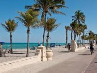 Cozy full one bedroom apartment on Hollywood Beach - Hollywood vacation rentals