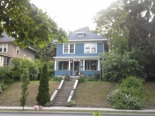 2 bedroom Bed and Breakfast with House Swap Allowed in Newburgh - Newburgh vacation rentals