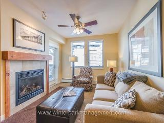 Walk to the slopes from this Founders Point 1 bedroom SLEEPS 5 !!! - Littleton vacation rentals