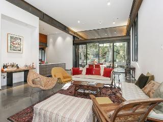 Gorgeous 5BR Custom Designed Pasadena Home - Pasadena vacation rentals