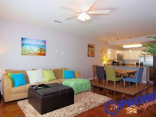 Beautiful New Townhouse with a Sparkling Saltwater Pool! - Corpus Christi vacation rentals