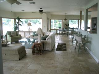 On the Inter Coastal Waterway with great views - Pompano Beach vacation rentals