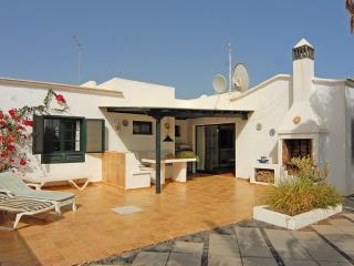3 Bedroom Villa in the Centre of Puerto del Carmen - Puerto Del Carmen vacation rentals