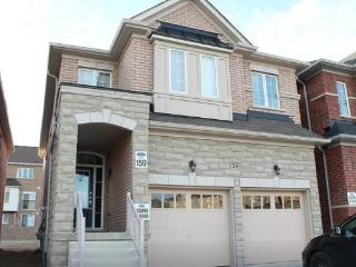 4 BDR FULL HOUSE in RICHMOND HILL - Richmond Hill vacation rentals
