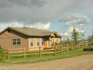 Western Style house, sleeps 6, 10 min from town - Durango vacation rentals