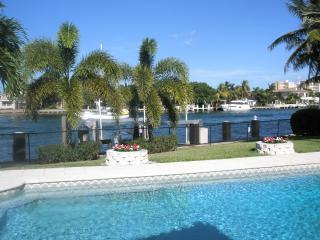 Lovely 4 bedroom Pompano Beach House with Washing Machine - Pompano Beach vacation rentals