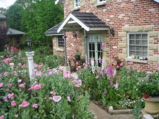 Annie's cottage and garden at Trafalgar B and B - Kurrajong vacation rentals