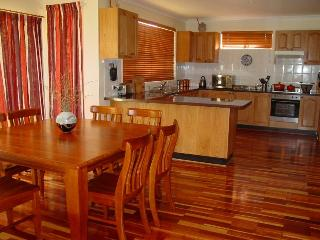 Cozy 3 bedroom House in Wentworth Falls with Internet Access - Wentworth Falls vacation rentals