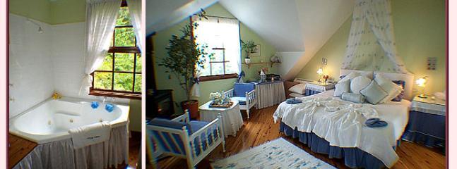 Trellises Guesthouse The Honey Moon Room - Kurrajong Heights vacation rentals