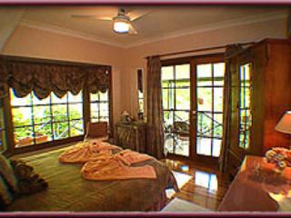 Trellises Guesthouse The Francesca Room - Kurrajong Heights vacation rentals