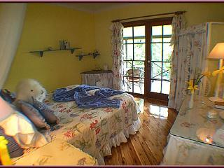 Trellises Guesthouse The Gay Room - Kurrajong Heights vacation rentals