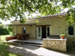 Cozy 2 bedroom Gite in Monflanquin - Monflanquin vacation rentals